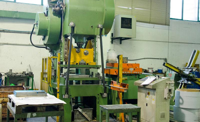 Reparto stampaggio lamiere